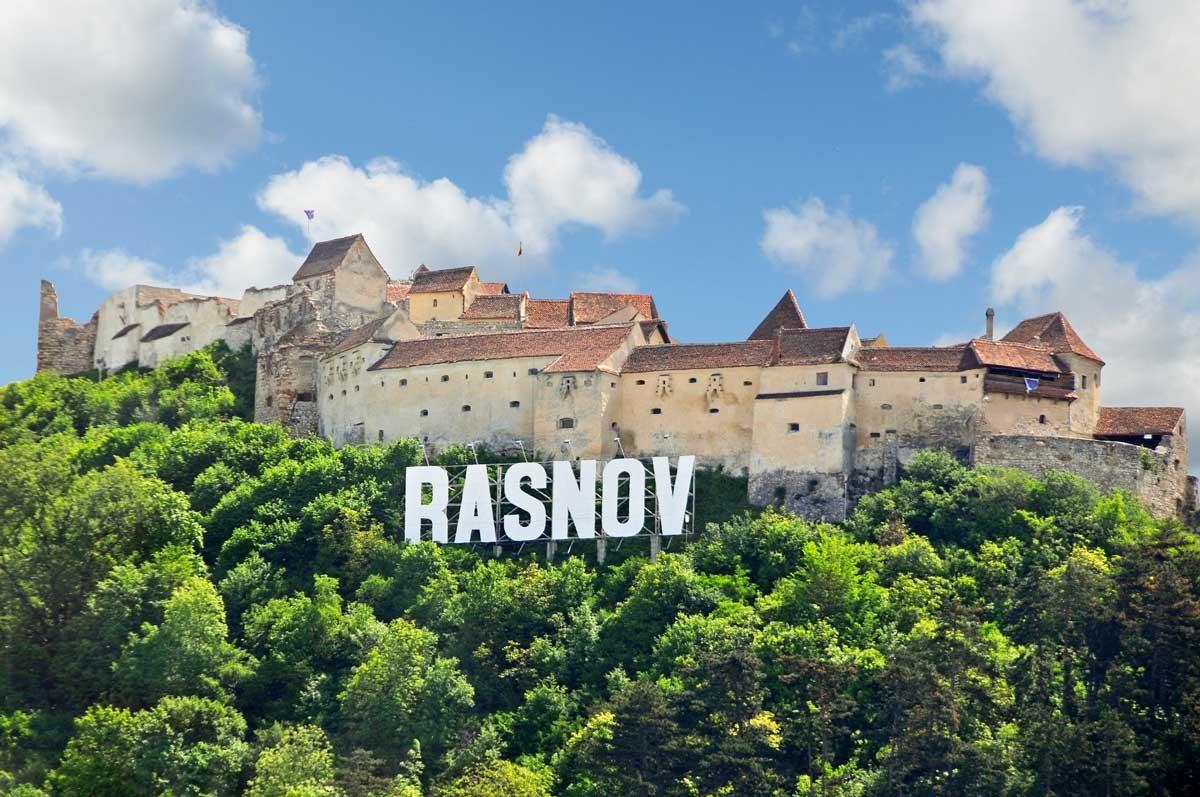 Râșnov-cazare in case de vacanta si cabane!